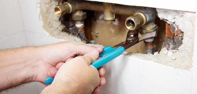 Comment trouver une fuite d'eau derrière placo ?