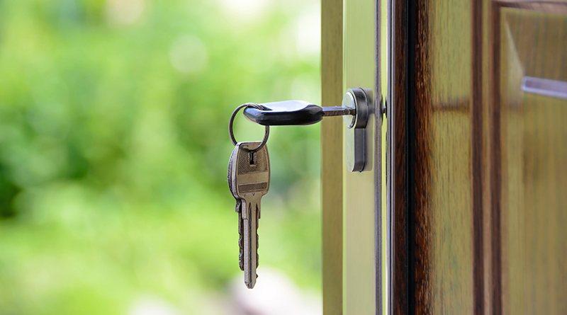 Comment retirer soi-même une clé coincée dans la serrure ?